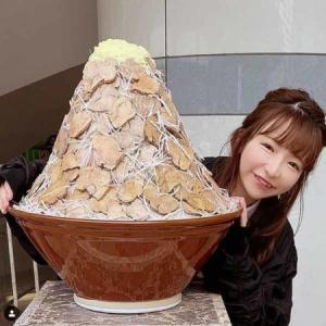 【かわいいのに】もえあずが重さ10キロの巨大チョモランマラーメンとの2ショット写真公開♡♡♡♡♡♡♡♡(画像あり)