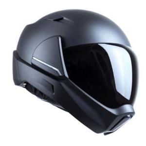 「ヘルメットの進化はモーターサイクルの進化よりも遅い」~クロスヘルメットチーム(