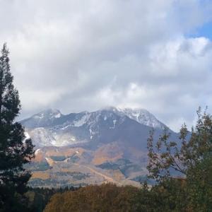 山頂は白くなりました!