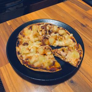 【オッサンのブログ】イカの塩辛とジャガイモのピザを作ったオッサン