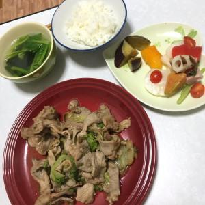 手作りタレで豚肉とレタスの焼肉