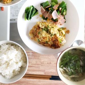 野菜オムレツとアジアン炒めの朝ごはん