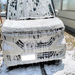 今日はいい天気だったのでN-BOXカスタムを洗車ガン高圧洗浄機で泡々シャンプー手洗い洗車しました(^o^)