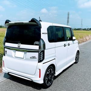 【猫耳】愛車N-BOXカスタムターボ(JF3)プラチナホワイトパールにカーボン調リアウイングスポイラーを装着しました♪