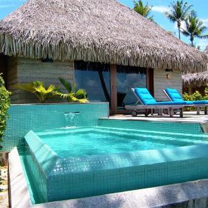 '07 ボラボラ・ランギロア旅行記⑧ ホテル・キアオラのビーチバンガローwithプールはこんな感じ!