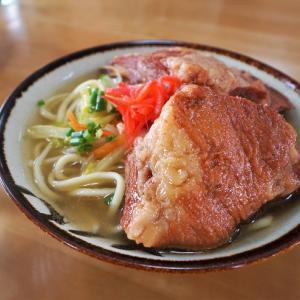 '21 宮古島 2つの名店で宮古そばの食べ比べ!てびちもソーキも大きくボリューム満点!それと島カフェも。