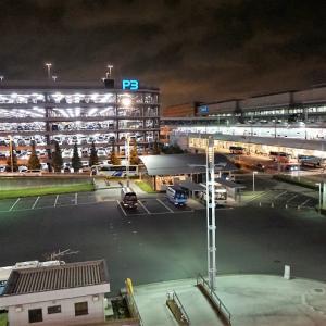 夏休みシーズンに羽田空港の駐車場を利用するなら予約がオススメ。障害者割引なら半額です。