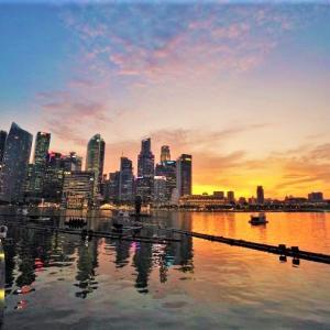 '19 シンガポール マリーナベイサンズの両側・スーパーツリーグローブとかスペクトラとか