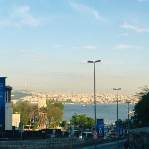 イスタンブール新市街を海を見ながら歩いてみた【世界一周6都市目☆イスタンブール】