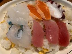 今日はちらし寿司