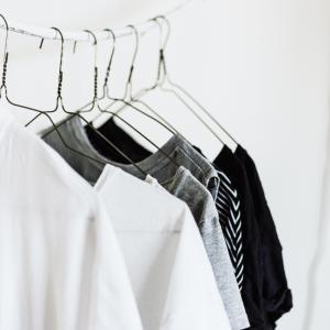 手持ちの洋服を数えてみたら。