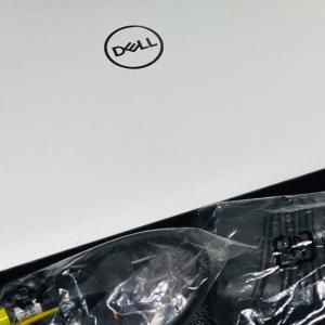 Dell New XPS 15モニター開始!Adobe製品使用感レビューしていきます。デルアンバサダー