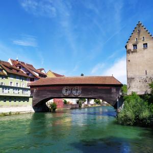 日曜朝のカフェ散歩~木造の橋へ(スイスから)