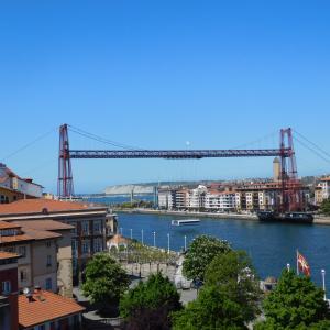世界遺産の橋とパエリア~ビルバオ (スペイン)