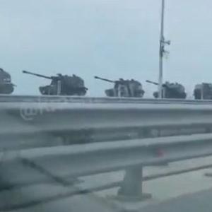 ウクライナの兵士が東部で死亡、ロシア軍が国境付近の戦力を増強