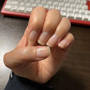 ネイルベッドを伸ばして指先を綺麗にするためにしているケア