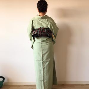 春の緑色紬