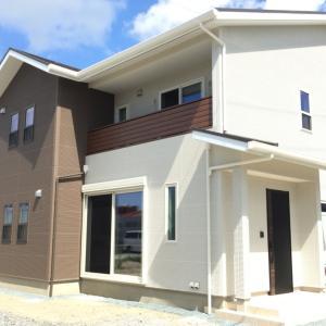 【施工事例】インダストリアルな世界。軽やかな風の吹くダークトーンのお家。