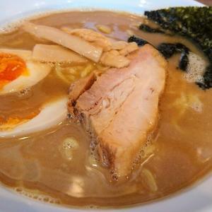 館山 ラーメンサンガの鰹豚麺(鰹節の風味が効いた濃厚豚骨魚介系ラーメン)