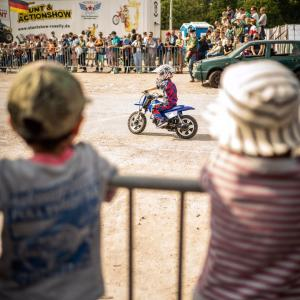 ドイツでモンスタートラックショー