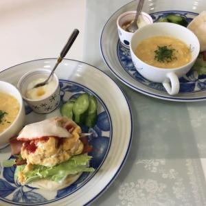 9/2(水)白パンハンバーガーのブランチとお一人様卵かけ定食?の夕ご飯