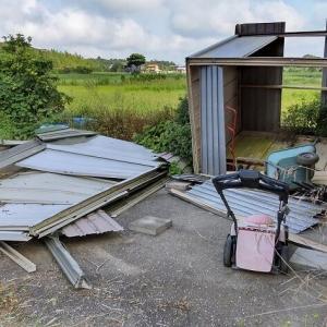 2019年房総半島台風で倒壊した物置を解体?