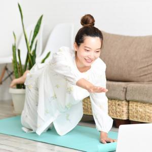 【オンラインヨガ】安い&受け放題のolulu(オルル)は瞑想も充実!1週間体験した感想