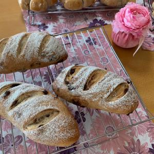 手ごねパン教室でした❤️どっしりパン作ったよ✌️