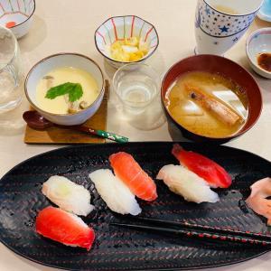 回らないお寿司の満足ランチ
