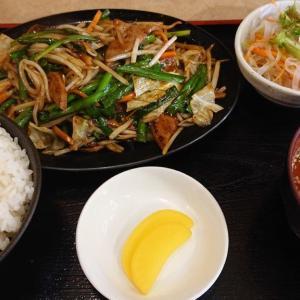 JR蘇我駅から徒歩5分、地元に根付いた町中華 秀来軒 多彩なメニュー並ぶ中華料理店で頂く、ピリ辛レバニラ炒め定食
