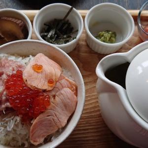 千葉駅から徒歩5分の新店、FISH&WINE UMIラボ 千葉店で初ランチ 多彩なシーフードが頂けるイタリアンで、まさかの海鮮茶漬け!?