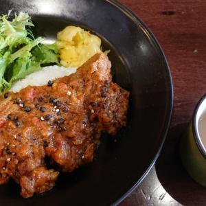 千葉・富士見町のビストロレコルトで頂く日替わりランチ これはカレー?それともソース?? スパイス満点、林SPF豚のペッパーフライを食べてみた