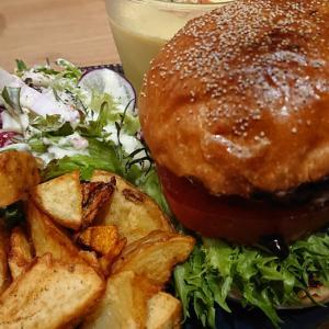 千葉・富士見町のビストロレコルトがリニューアル かずさ和牛の贅沢バーガーにカフェプレートらを堪能