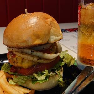 JR本千葉駅前に6月オープンのバーガー専門店、HONCHIBURGER 肉厚パテ&バンズで頂くチーズバーガーを食べてみた