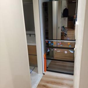 【建具】冷蔵庫と引き戸がきわっきわ