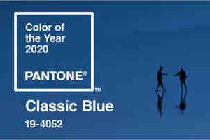 2020年のカラーはクラッシックブルー。