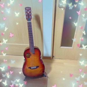 ギタースタンド。
