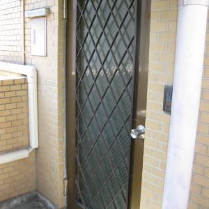 カバー工法による玄関ドア交換リフォームを実施しました