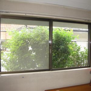 腰窓の防音対策と結露対策にYKKの内窓プラマードUを取付けました(東京都世田谷区K様邸)