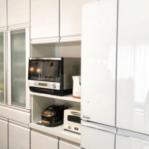 新しい冷蔵庫が家に来ましたが大きすぎてトラブルが…「新築の冷蔵庫幅は何センチ取るべきか」【三菱電機MR-WX60F】