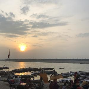 【インド】おいしいものは欠かせない!ガンジス川とスイーツ巡り♡