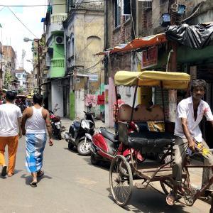 【インド】インドに来たらカレーでしょ!失神カレーを食すの日