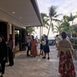 【ハワイ】ハレクラニホテル《ハウ・テラス》毎週水曜は支配人主催のカクテルパーティーへ☆
