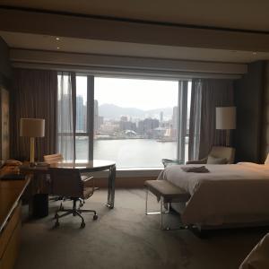 《フォーシーズンズホテル香港》プレミアハーバービューのお部屋宿泊記