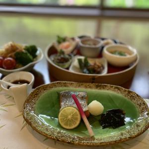 【福島】《磐梯熱海温泉 熱海荘》宿泊記:春の朝食は新緑のお庭を眺めながら…