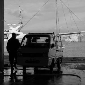 2020.02.08:福吉漁港をモノクロで3