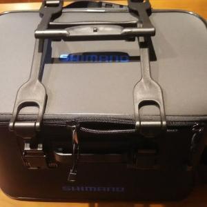 役立ち釣り道具 ~タックルバッグ~ シマノBK-021Rならルアーもバケツも
