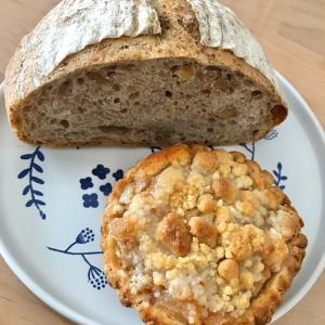 久々のイエローナイフさんのパンとアカシエのケーキ