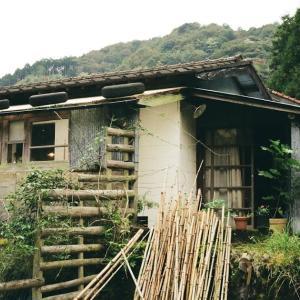 KONICA HEXARと俵山の本屋ロバの本屋