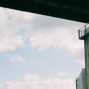 PENTACON six TLと山陰線の陸橋と旧道